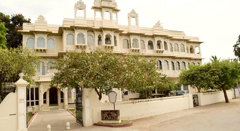 Udaipur Hotels 3 Star Hotel Rampratap...